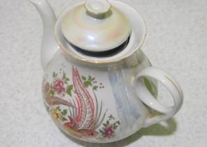 Зеленый чай с шиповником - фото шаг 4