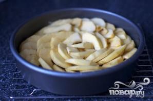 Перевернутый яблочный пирог с медом и имбирем - фото шаг 2
