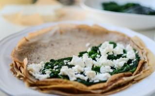 Блинчики со шпинатом и сыром - фото шаг 3