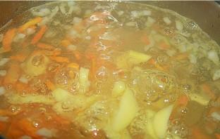 Гороховый суп с тушенкой - фото шаг 2