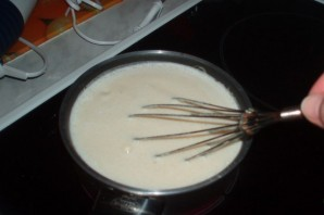 Бисквитный торт с заварным кремом и клубникой - фото шаг 2