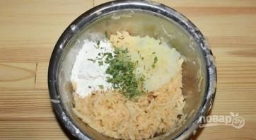 Драники картофельные с сыром - фото шаг 2