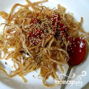 Сушёные кальмары в соусе - фото шаг 3