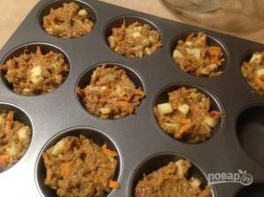 Маффины из цельнозерновой муки с яблоком и морковью - фото шаг 8