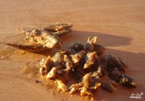 Салат из печени трески с кукурузой - фото шаг 1