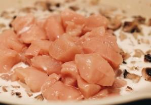 Пенне с курицей и грибами - фото шаг 5