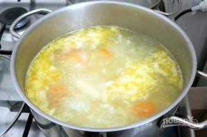 Суп из щавеля с плавленым сыром и яйцами - фото шаг 5