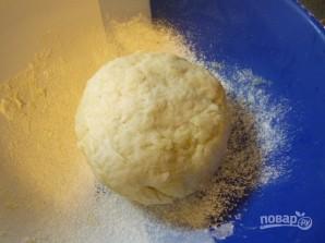 Греческий лук с мягким сыром - фото шаг 2