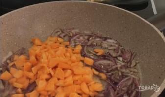 Очень вкусный гороховый суп с копчеными ребрышками - фото шаг 4