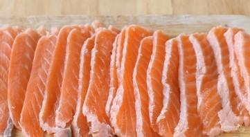 Суши по-русски из красной рыбы - фото шаг 3