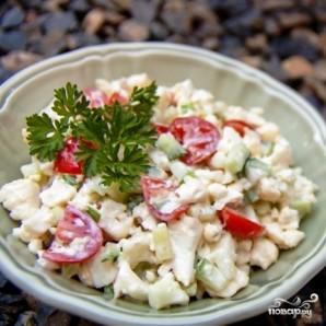 Салат из цветной капусты с помидорами и огурцами - фото шаг 6