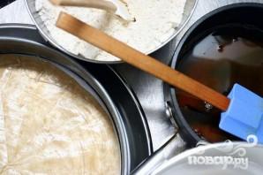Ореховый пирог с шоколадной глазурью - фото шаг 2