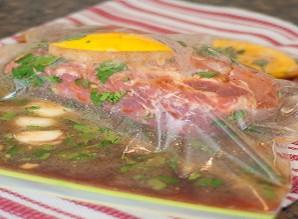 Маринованная свинина в духовке - фото шаг 3