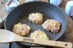 Рубленые шницели из курицы с сыром - фото шаг 5