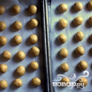 Арахисовые шарики в глазури - фото шаг 4