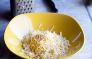 Салат с сыром - фото шаг 2