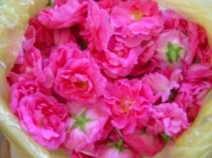 Розовое варенье пятиминутка - фото шаг 1