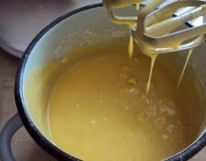 Бисквитные кексики в формочках - фото шаг 2