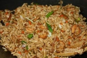 Жареный рис с креветками и овощами - фото шаг 6
