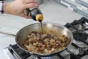 Салат из фасоли с грибами - фото шаг 4