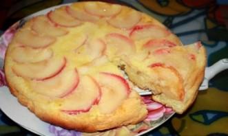 Шарлотка с яблоками без масла - фото шаг 8