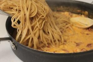 Паста с беконом и креветками - фото шаг 5