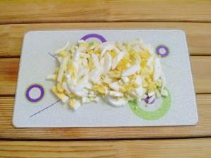 Салат из яиц и огурцов - фото шаг 2