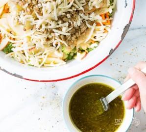 Салат из свежей капусты с яблоком - фото шаг 5