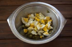 Салат обалденный с копченой курицей - фото шаг 2