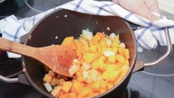Суп из тыквы с курицей - фото шаг 2