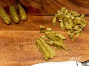 Салат с языком и огурцом - фото шаг 6