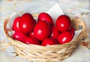 Красные пасхальные яйца - фото шаг 2