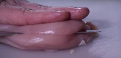 Куриная грудка в белом вине - фото шаг 2