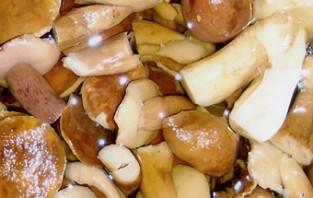 Тушеная говядина с грибами - фото шаг 4