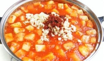 Кабачки, жареные в томатном соусе, на зиму - фото шаг 3