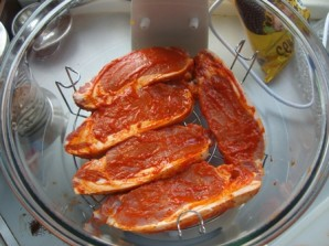 Стейк из свинины в аэрогриле - фото шаг 3