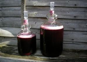 Вино из черной смородины без дрожжей - фото шаг 3