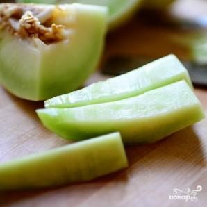 Ананасовые лодочки с фруктами - фото шаг 5