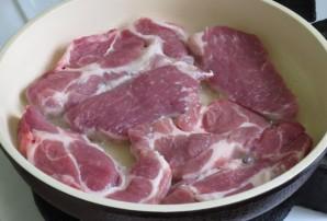 Свиная шейка на сковороде - фото шаг 2
