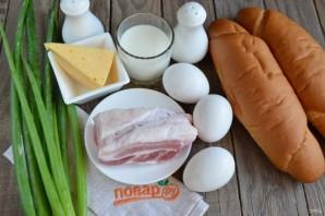 Лодочки с беконом, яйцом и сыром - фото шаг 1