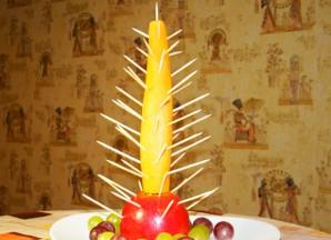 Елочка из фруктов - фото шаг 4