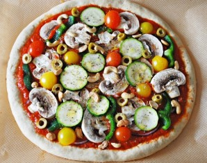 Вегетарианская пицца с грибами - фото шаг 7