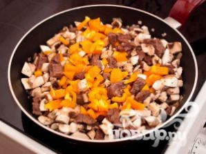 Горшочки с мясом - фото шаг 11
