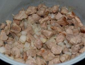 Мясо с черносливом в мультиварке - фото шаг 4
