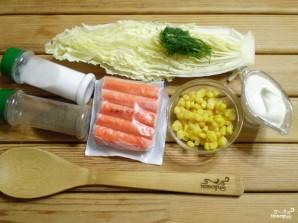 Салат с крабовыми палочками и кукурузой - фото шаг 1