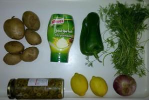 Картофельный салат с маслинами - фото шаг 1