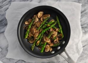 Салат с грибами и яйцами - фото шаг 1