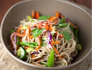 Гречневая лапша с овощами - фото шаг 4