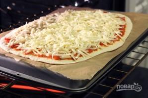 Пицца на противне - фото шаг 4