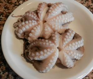 Салат из осьминогов - фото шаг 2